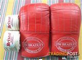 JIM BRADLEY LEATHER GLOVES SIZE LARGE AND BRISTOL HAND BINDING STRAPS