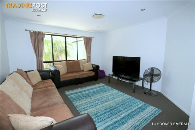 1-Siobhan-Court-EMERALD-QLD-4720