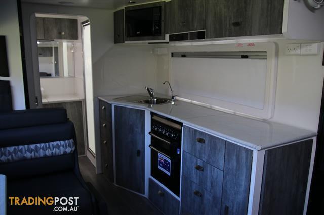 Red Centre Kimberley Plus 20ft 6inch  Centre Door