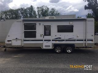 2008 Regal Delux Comfort 21ft