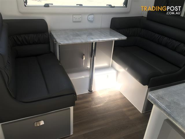 2019 Red Centre Newell Single Beds Caravan 20'  Centre Door (oro)