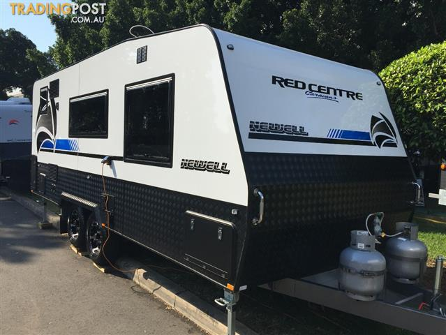 Red Centre Newell 20'6 Caravan (oro)