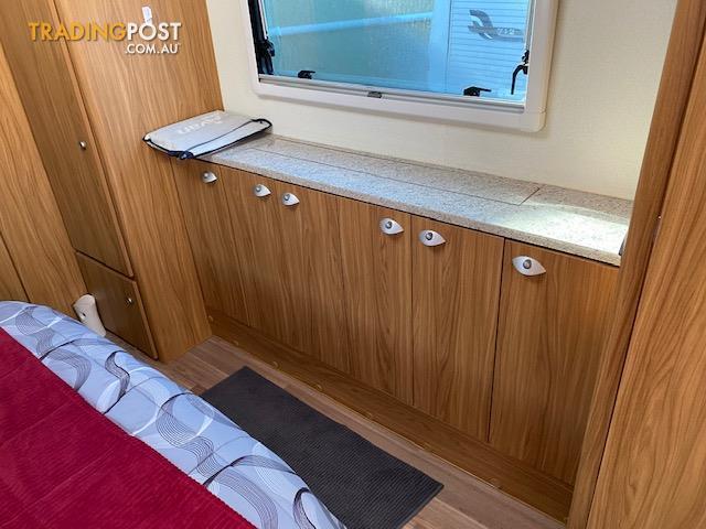 2015 Avan Infinity Slideout Caravan 19'6