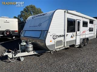 2014 Crusador Family Getabout 23'6, 6 berth