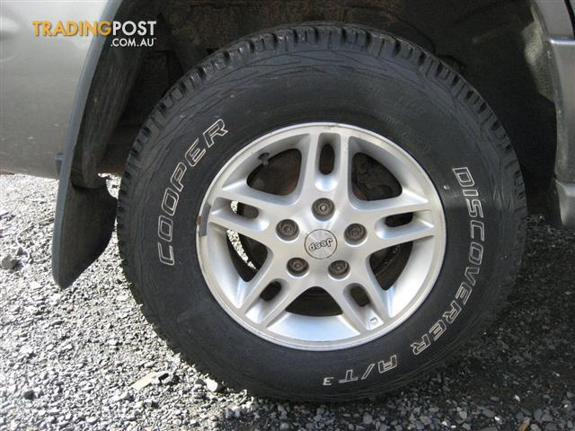 JEEP CHEROKEE WJ 2000 MAG WHEELS & TYRES