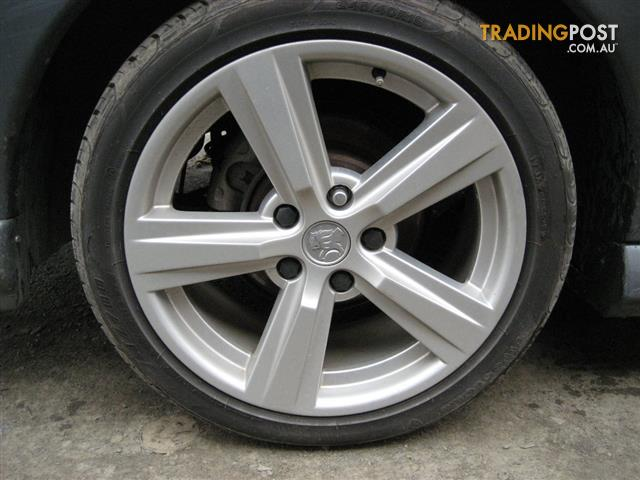 HOLDEN VZ SS 18 INCH MAGS & TYRES