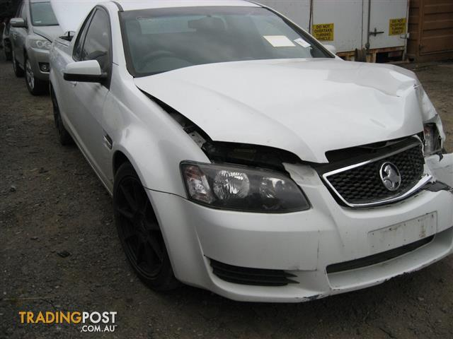 VE COMMODORE 2011 UTE FOR WRECKING & PARTS  ( CALL US)