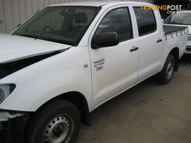 TOYOTA HILUX 2010 DAUL CAB FOR WRECKING (MANY PARTS CALL US)
