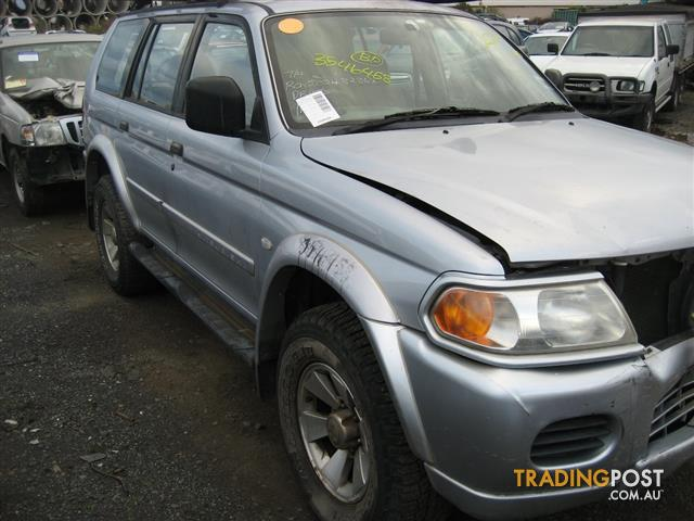 MITSUBISHI CHALLENGER 2005 FOR WRECKING (COMPLETE CAR CALL US)