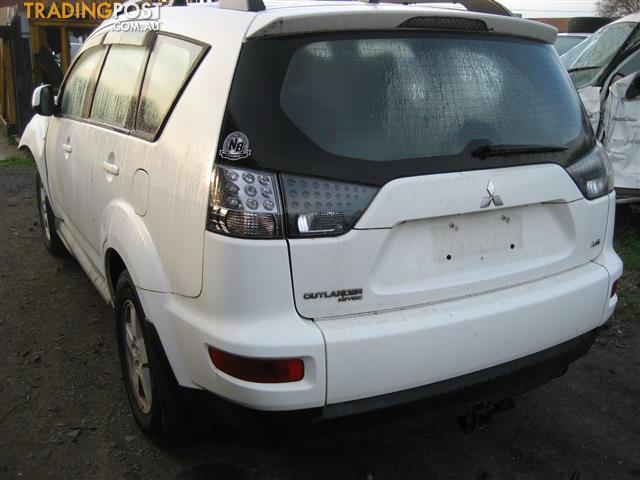 MITSUBISHI OUTLANDER 2012 ZH FOR PARTS (COMPLETE CAR) CALL US