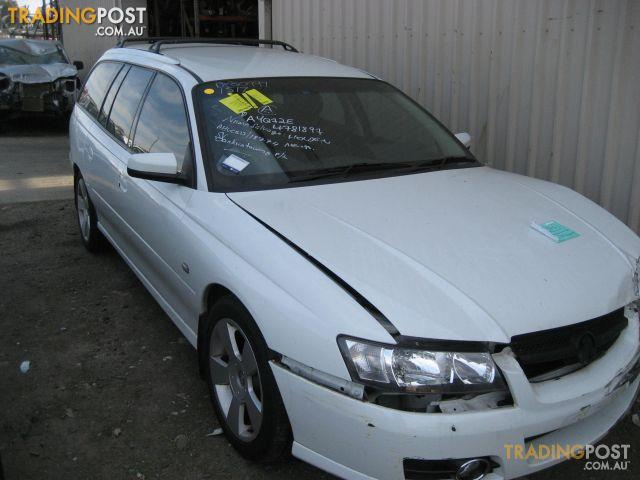 VZ COMMODORE SV6 S/WAGON wrecking complete car