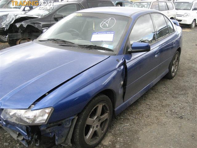 VZ COMMODORE SV6 FOR WRECKING,MANY PARTS