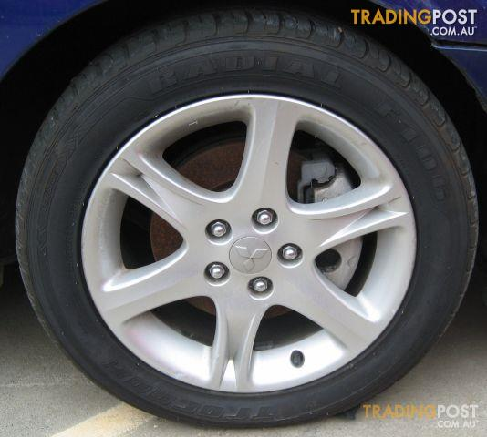Mitsubishi 380 2006 Mag Wheel Set