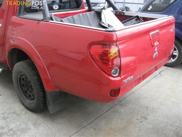 MITSUBISHI TRITON MN 2015 FOR  PARTS, WRECKING 3 CARS