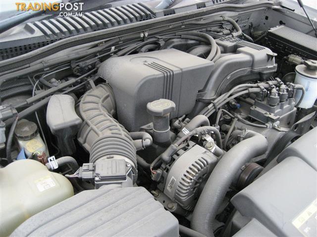 FORD EXPLORER 2004 V6 FOR PARTS (COMPLETE CAR)