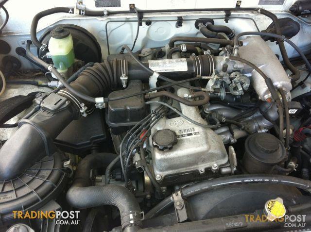 TOYOTA HILUX 2004 RZN 149 2.7LT ENGINE