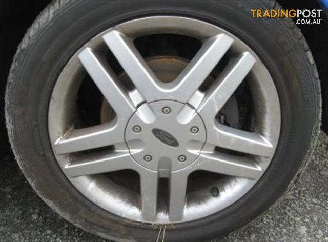 FORD FOCUS 2004 LR MAG WHEELS