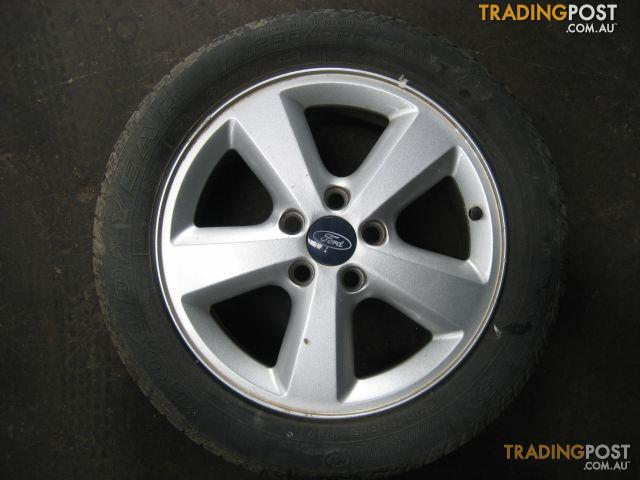 FORD FOCUS LS 2006 MAG WHEELS