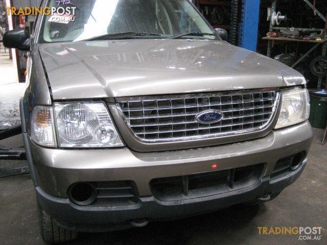 FORD EXPLORER 2004 (wrecking complete car)