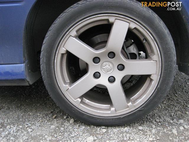 2005 holden commodore vz sedan auto 5 speed v6 ly7 BONNET