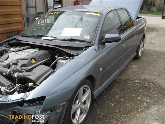 HOLDEN VZ CREWMAN 2006 FOR WRECKING (MANY PARTS)