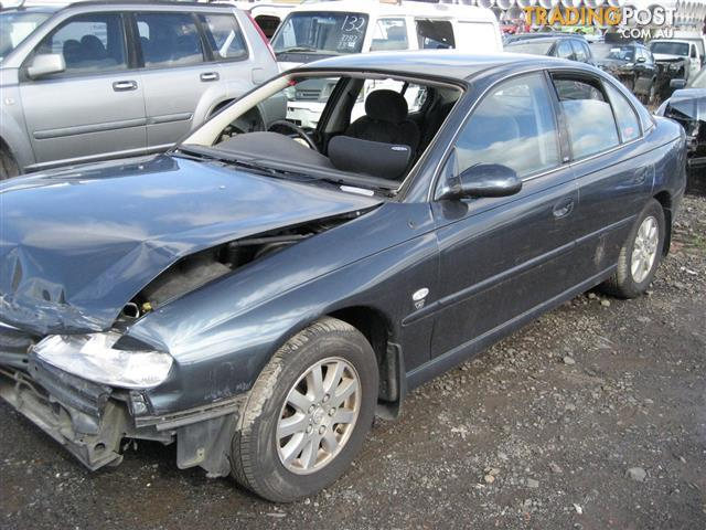 HOLDEN COMMODORE VX BERLINA FOR WRECKING
