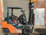 Toyota 32-8FG25 LPG / Petrol Counterbalance Forklift