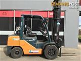 Toyota 32-8FGJ35 LPG / Petrol Counterbalance Forklift