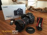 Almost New Canon 5D Mark III + Canon 24-105MM Lens For sale