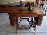 1912 Singer Sewing Machine antique