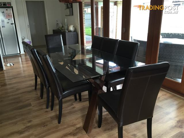 Timber Dining Table and Chairs for sale in Bradbury NSW  : 99HD Boxed640x480 from www.tradingpost.com.au size 640 x 480 jpeg 41kB
