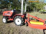 4 x 4 MITSUBISHI DIESEL TRACTOR WITH MOWER.
