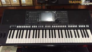 Yamaha PSR-S750 61 Note Keyboard Arranger Workstation Ex-Demo