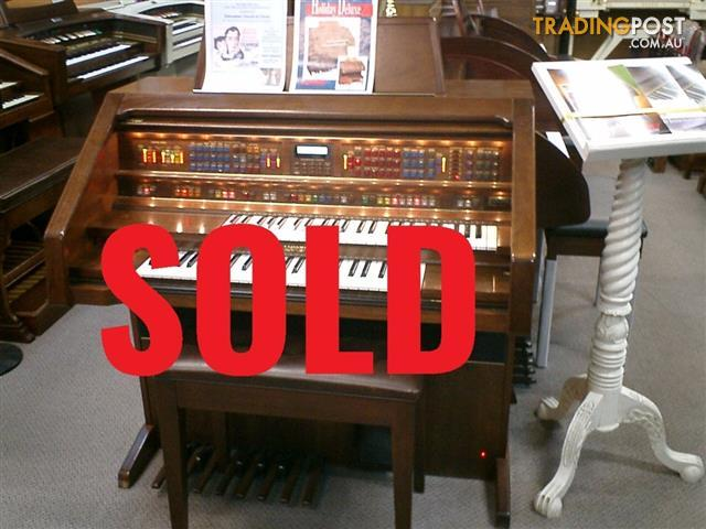 Lowrey Holiday Deluxe Organ LX300 ~ Sold