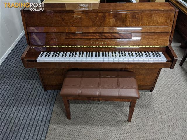 Yamaha C108 Polished Walnut Upright Acoustic Piano (1990)
