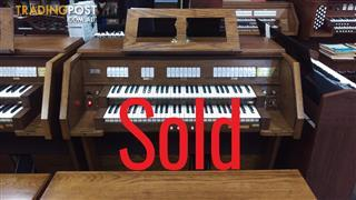 Viscount Canticus 270 Classical Organ ~ Now Sold ~ with a 27 flat radiating pedal board