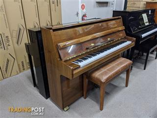 Alex Steinbach Student 105cm Upright Piano in Walnut Polished ( 1985 Ser No 615406)