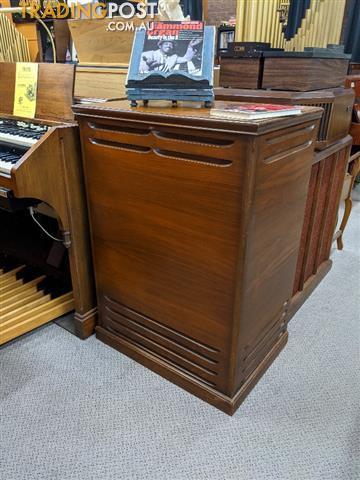 Hammond C-3 Tone Wheel Console Organ and Leslie 122