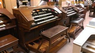 Conn 652 Deluxe Type II 3 Manual Theatre Style Organ
