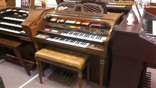 Kimball Organ, Model Paradise  L102