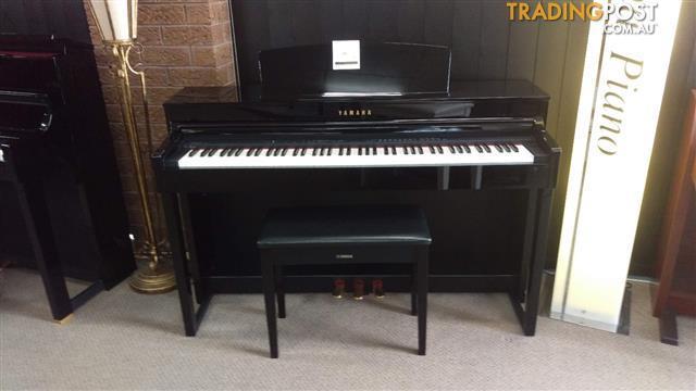 Yamaha Clavinova CLP440 Polished Ebony Digital Piano and Matching Bench