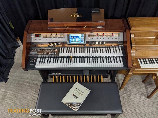 Roland Atelier AT-900C Console Organ