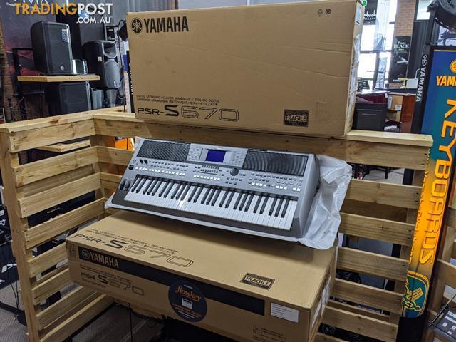 Yamaha Arranger Workstations Keyboard PSR S670 (2 Only!)