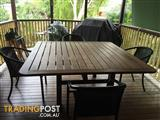 OUTDOOR KWILA DINNING TABLE