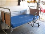 INVACARE FULLY ADJUSTABLE ELECTRIC HOSPITAL BED.