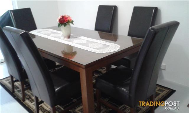 Quality Dining Suite for Sale