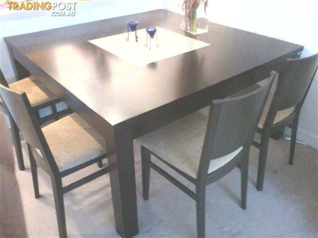 Stylish 8 Seater Square Dining Table With Feature Glass Centrepiece