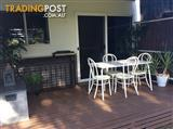 TABLE - METAL - INDOOR/OUTDOOR & CHAIRS - BYRON BAY