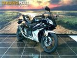 2013 Yamaha YZF-R15 150CC  Sports