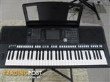 Yamaha PSR S950    61-Key Digital Arranger Workstation Keyboard Synthesiser